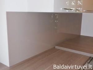 Šviesiai rudas dažytas stiklas