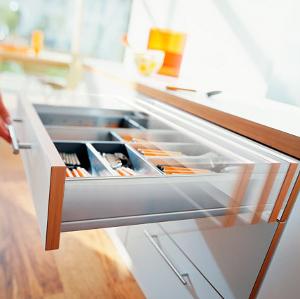 Furnitūra virtuvės baldams