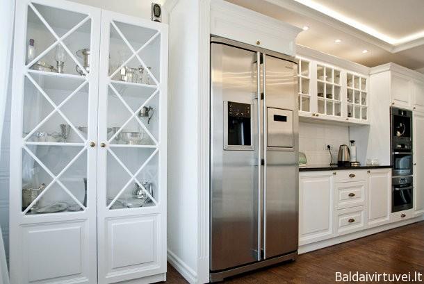 Klasininiai virtuvės baldai su filingais