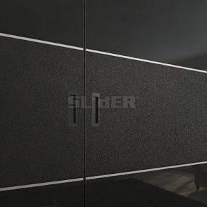 Spintos stumdomomis durimis su juodu stiklu